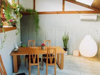 住宅作品: 大出設計工房 OHDE ARCHITECT STUDIOが手掛けたダイニングです。