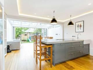 SE1 Extension Designcubed Modern kitchen Solid Wood Grey