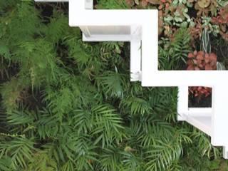 LC Vertical Gardens Modern style gardens