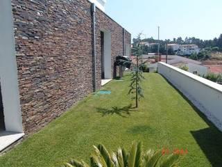 BELGRAN, LDA Casas de estilo moderno