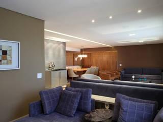 Apartamento Erédita: Salas de estar  por GRACIELA PIÑERO ARQUITETURA E DECORAÇÃO