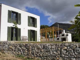 Casa privata a Monreale (PA): Terrazza in stile  di Studio Cangemi s.a.s.