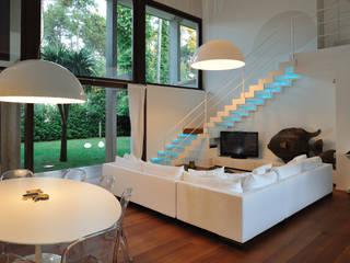 Villa al mare Soggiorno moderno di Studio di architettura Talamini e Camerin Moderno