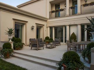 Villa urbana Giardino classico di Studio di architettura Talamini e Camerin Classico