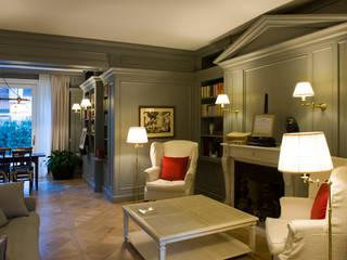 Villa urbana Studio in stile classico di Studio di architettura Talamini e Camerin Classico
