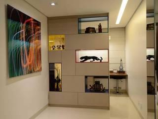 Nowoczesne domowe biuro i gabinet od Giovana Martins Arquitetura & Interiores Nowoczesny