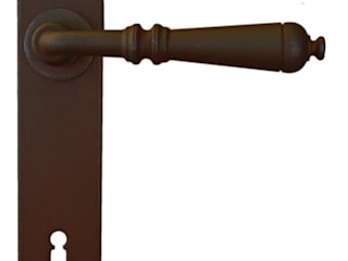 """Moscow"" Collection by Galbusera Galbusera Giancarlo & Giorgio S.n.c. Windows & doors Doorknobs & accessories الحديد / الصلب"
