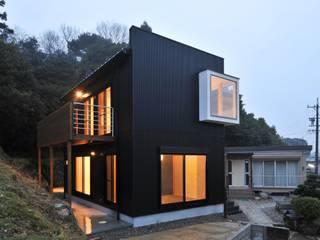 若山建築設計事務所 Eclectic style houses Metal Black