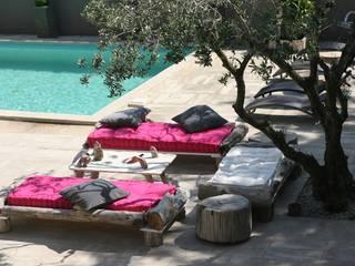 terrasse: Balcon, Veranda & Terrasse de style  par CORO furniture