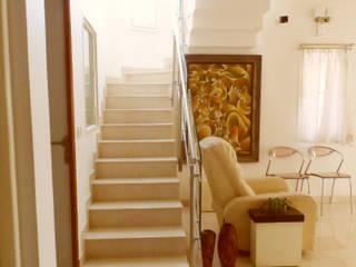 VERVE GROUP Pasillos, halls y escaleras minimalistas Mármol