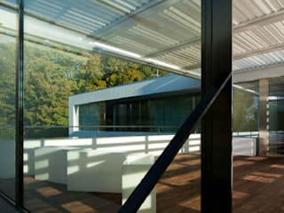 Villa Marini Scapolo Moderner Balkon, Veranda & Terrasse von Pizzeghello - Architekten Berlin Modern