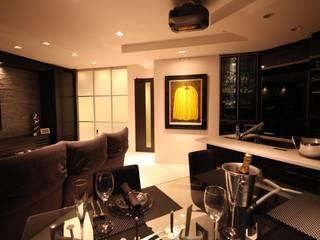 株式会社Juju INTERIOR DESIGNS Modern Living Room Wood Black
