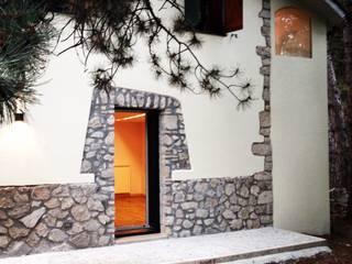 COTTAGE DI MONTAGNA Case in stile rustico di COFFICE Rustico