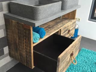 Wastafel meubel met 2 laden en 1 groot vak:   door maiidee