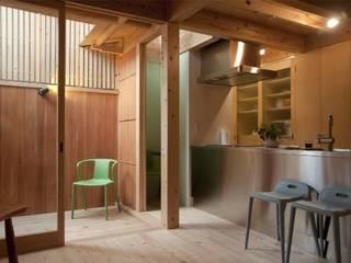 五条の森の町家 和風スタイルの 壁&フローリングデザイン の シィエル・ルージュ・クレアシオン(CRC) 和風