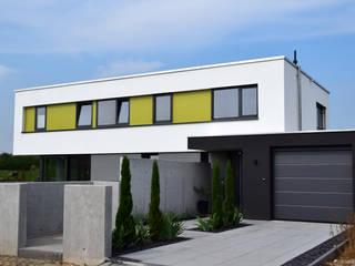 Wohnhaus Z Zornheim: moderne Häuser von Marcus Hofbauer Architekt