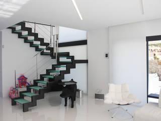 de DESIGN VILLAS MORAIRA SL Moderno