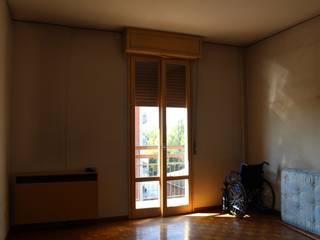 La casa che non ti aspetti: Camera da letto in stile  di FEELatHOME di Elena Confortini architetto