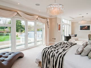 LUXURY INTERIORS :  Bedroom by Shandler Homes Ltd
