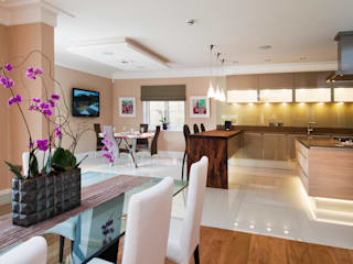 LUXURY INTERIORS :  Dining room by Shandler Homes Ltd