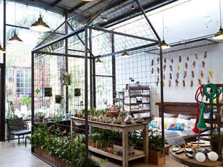 Diseño y Ambientación de Bartolomea Home: Galerías y espacios comerciales de estilo  por Soga Estudio,Industrial