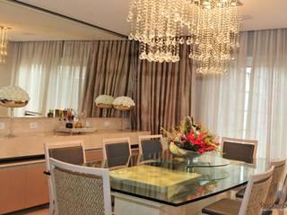 Residência Unifamiliar Entre-Ijuís -RS / Brasil: Salas de jantar  por Rockenbach Arquitetos Associados,
