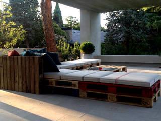 Atelier de Desseins Modern terrace Wood