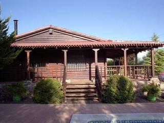 Casa de madera de homify Rústico Madera Acabado en madera