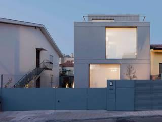 Casa em Matosinhos II Casas de estilo moderno de Jorge Domingues Arquitectos Moderno