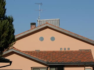 ステンドグラスある家2坂東市: ESK設計一級建築士事務所が手掛けた家です。