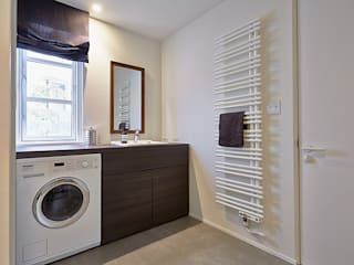 警固リノベ: 株式会社フーセット Huset co.,ltdが手掛けた浴室です。,