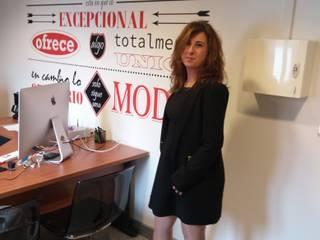 Oficina portada Estudios y despachos de estilo moderno de Deseñarte Moderno