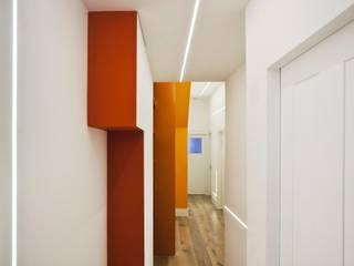 Tufnell Park, London Modern corridor, hallway & stairs by ÜberRaum Architects Modern