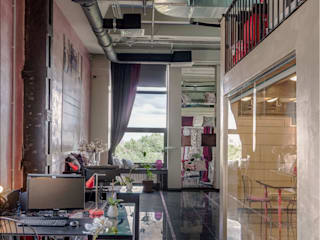 Oficinas y tiendas de estilo moderno de Бюро Акимова и Топорова Moderno