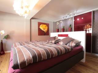 komplette Sanierung von Fachwerkhaus Moderne Schlafzimmer von K&R Design GmbH Modern