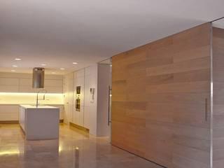 Vivienda Unifamiliar. La Moraleja. MADRID. Salones de estilo moderno de M66.arquitectos. Moderno