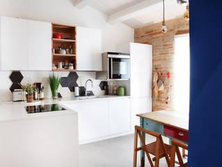 Casa Vitelli Cucina in stile mediterraneo di Ossigeno Architettura Mediterraneo