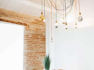 Comedores de estilo mediterráneo de Ossigeno Architettura