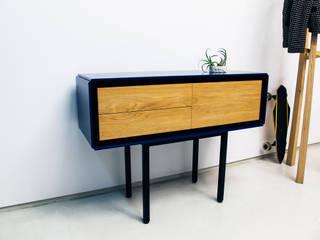 minimalist  by Piurra, lda, Minimalist
