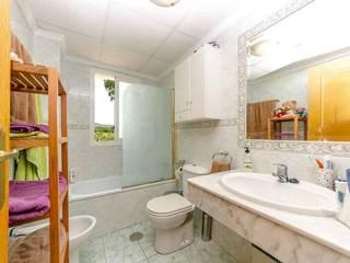 Baños de estilo clásico de Whitehome Clásico