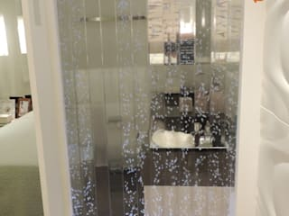 Suíte Casal Quartos modernos por Melanie Kiss Design de interiores Moderno