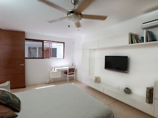 Bedroom by FGO Arquitectura, Tropical Wood Wood effect