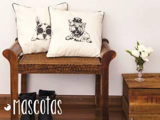 Almohadones y textiles Bharani Deco de Bharani Deco Moderno