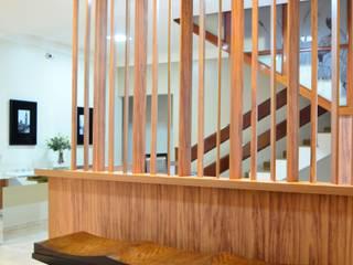 Escritório Contabilidade Edifícios comerciais modernos por TRES MAIS arquitetura Moderno