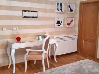 Andreia Louraço - Designer de Interiores (Email: andreialouraco@gmail.com) BedroomWardrobes & closets Wood White