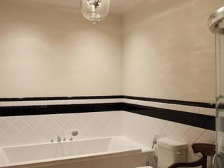 квартира для бабушки и дедушки Ванная комната в эклектичном стиле от Circus28_interior Эклектичный