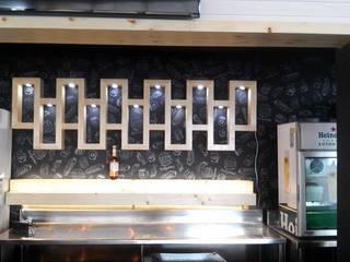 Bar & Klub Modern Oleh carpinteria hdh Modern