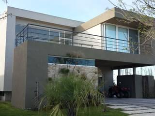 Arquitectos Building M&CC - (Marcelo Rueda, Claudio Castiglia y Claudia Rueda) Modern houses