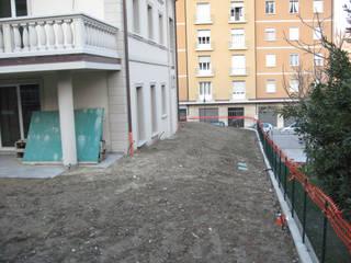 Come appariva la proprietà all'inizio dei lavori di sistemazione a verde.:  in stile  di Gruppo Mati srl (MATI1909)