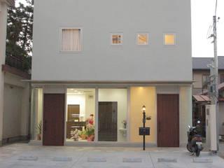 山本歯科: 光安義光&アトリエMYST / MITSUYASU  YOSHIMITSU & ATELIER  MYSTが手掛けた家です。,